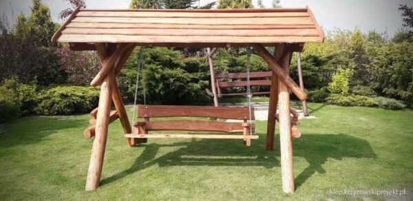 meble ogrodowe drewniane, huśtawki z bali, drewniane place zabaw, huśtawka z bali, huśtawka z dachem 06
