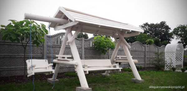 meble ogrodowe drewniane, huśtawki z bali, drewniane place zabaw, huśtawka z bali, huśtawka z dachem, huśtawka dla dziecka 01