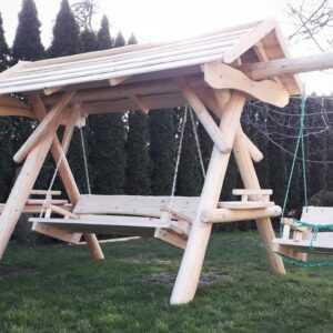 meble ogrodowe drewniane, huśtawki z bali, drewniane place zabaw, huśtawka z bali, huśtawka z dachem, huśtawka dla dziecka 02