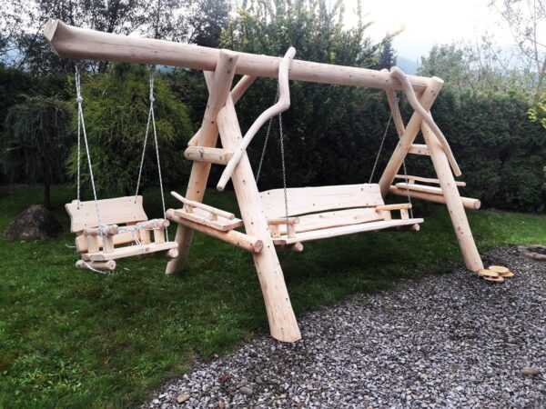 meble ogrodowe drewniane, huśtawki z bali, drewniane place zabaw, huśtawka z bali, huśtawka dla dziecka 02